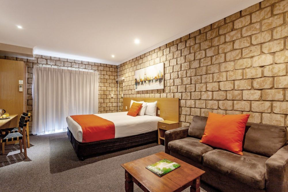 standard-king-room-1
