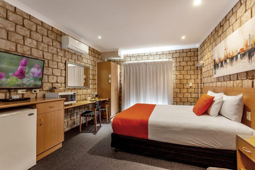standard-king-room-2