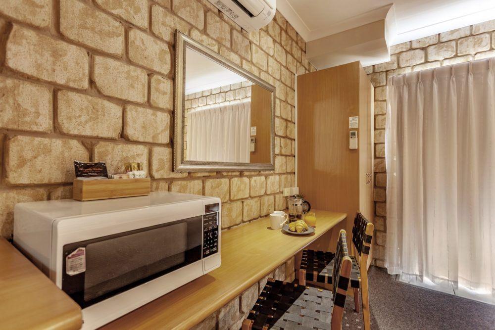 standard-king-room-3